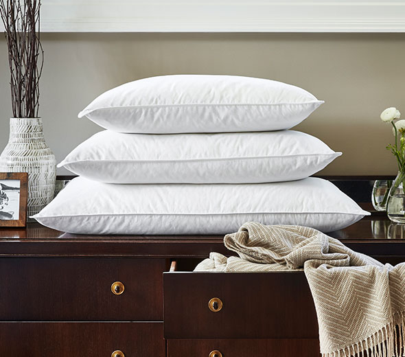 & Buy Luxury Hotel Bedding from JW Marriott Hotels - The JW Pillow