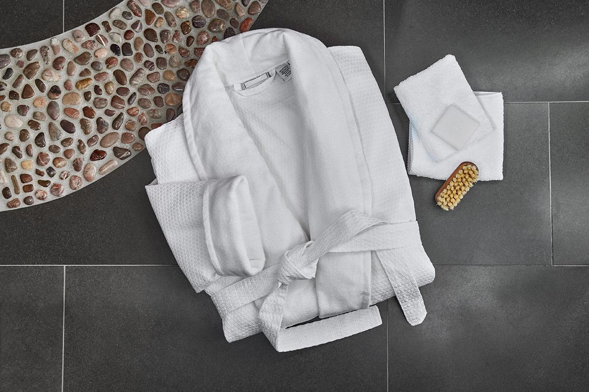 32d8b99dd3 Buy Luxury Hotel Bedding from JW Marriott Hotels - Microfiber Spa Robe